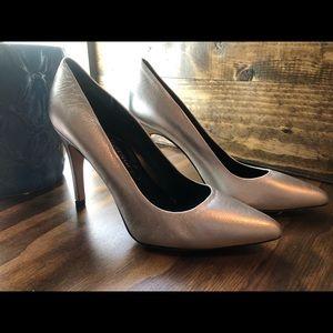 Alejandro Ingelmo silver heels